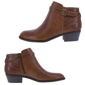 AE by Payless Spencer Ankle Boots in Brown